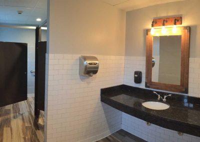 Pollyanna-Roselare-restroom