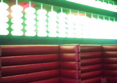 Wok-n-fire-BurrRidge-restaurant-wall-seating