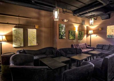 flight-112-bar-interior-lounge-area