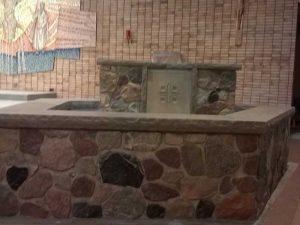 transfiguration-catholic-church-baptism-font-side